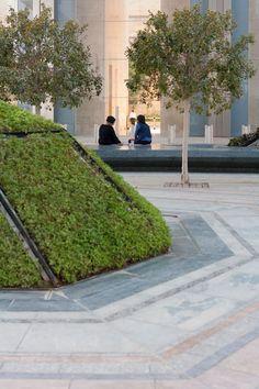 Abu Dhabi plaza by Martha Schwartz features teardrop-shaped landscaping