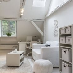 Relaxing Nordic home office in white and ecru. Scandinavian Style Home, Nordic Home, Home Office, Bathtub, Relax, Space, Studio, Inspiration, Standing Bath