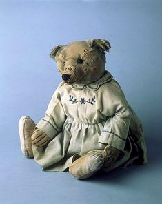 First Steiff Teddy Bears 1907 | Whitie the teddy bear Margarete Steiff GmbH (Germany) ca. 1907 mohair