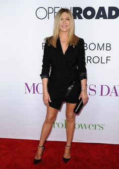 Pin for Later: 28 Style Lessons You'll Thank Jennifer Aniston For Make menswear work for you. A blazer dress that shows off your stems? Yes, please!