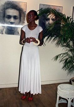 """>> The title of """"first black supermodel"""" has been handed out to Beverly Johnson, the first African American woman to score the cover of Vogue, Black Supermodels, African American Models, La Reverie, Black Fashion Designers, Vintage Black Glamour, Black Art Pictures, Sixties Fashion, Black Power, Fashion History"""