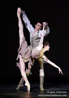 """<<Darcey Bussell and David Makhatelli in the Royal Ballet's """"Manon"""" # Photo © Gene Schiavone>>"""