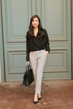 45 Brilliant Professional Work Outfit Ideas To Try Right Now - Fashion and style are two important things that we should always consider when wearing uniforms or any type of clothing. Stylish Work Outfits, Summer Work Outfits, Office Outfits, Office Attire, Stylish Eve, Business Outfit, Business Casual Outfits, Professional Outfits, Business Chic
