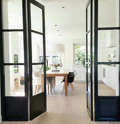 Tussendeur keuken/woonkamer.