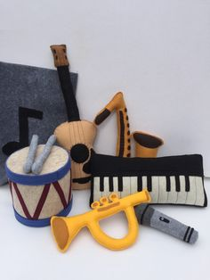 Felt toys, Toy Instruments, includes 6 instruments, felt music bag, toy instruments, felt instruments, toy music instruments, pretend play