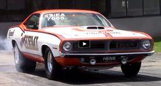 Wheelstanding Plymouth HEMI Cuda | Drag Racing