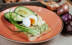 Avokádový toast s vajíčkom (fotorecept) - recept Avocado Toast, Ale, Breakfast, Food, Meal, Ale Beer, Essen, Ales, Morning Breakfast