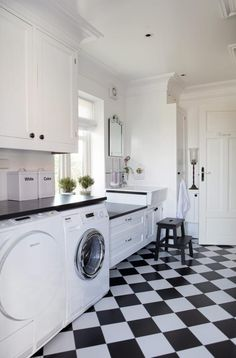Whether you have a small closet or tiny laundry room, your laundry area can be both functional & beautiful! Get inspired with these 50 laundry room ideas. Kitchen Decor, Laundry Room Inspiration, Laundry Room Sink, Laundry Mud Room, Home, Small Closets, Interior, Laundry, Room