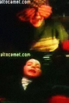 Videasta. Altocamet. Pasión Descalza. - [b]El verdadero debut de Benito y Lisa!! jaja[/b] [b]Video dirijido por Cecilia. [/b] [b]Por lo poco que se puede ver aparece Benito remontando un barrilete, Lisa con una muñeca y, por último, los dos en una calesita.También aparece Ceci con ellos. Una lástima que no se vea bien, pero es el único video original de la canción que hay en youtube.[/b] http://www.youtube.com/watch?v=0m2TAIGSIjM [b]Cecilia también realizo el video de la canción…
