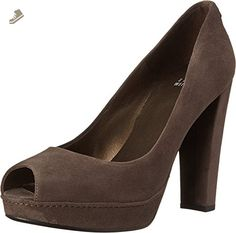 Stuart Weitzman Women's Avastrong Londra Suede Pump 9 M - Stuart weitzman pumps for women (*Amazon Partner-Link)