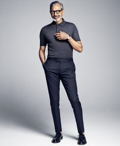 Goldblum Cuts a Sharp Figure for Icon El País Shoot Jeff Goldblum cuts a trim figure in a fitted look from Italian fashion house Prada.Jeff Goldblum cuts a trim figure in a fitted look from Italian fashion house Prada. Mode Bcbg, Moda Do Momento, Mode Man, Moda Formal, Herren Outfit, Elegantes Outfit, Mode Masculine, Business Casual Outfits, Italian Fashion