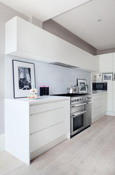 Nexus 90 - fitting perfect into any contemporary kitchen setting Range Cooker Kitchen, Aga Kitchen, Kitchen Units, Open Plan Kitchen, Kitchen Appliances, Kitchen Ideas, Aga Cooker, White Gloss Kitchen, Contemporary Kitchen Cabinets