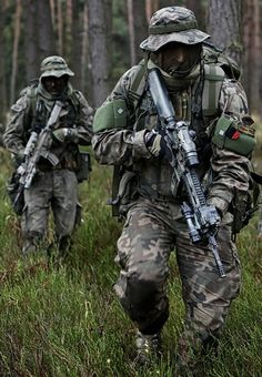 Welcome to Emersongear( http://www.aliexpress.com/store/2092006 ),let us fight together. You can find Helmet,Velcro Patch,Mask,Scarf,Kneepad,Belt,Goggles,Vest,Pouch,Bag,and so on there. Naval, Military Army, Military Weapons, Military Photos, Military Special Forces, Green Beret, Special Ops, Military Equipment, Snipers