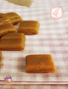 CARAMELLE MOU FATTE IN CASA ricetta dolce veloce