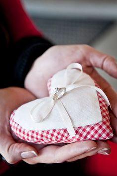 Ringkissen Idee und Ringkissen selber machen | Brautkleidershow - Günstige…