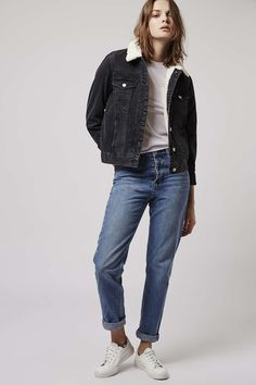Add cool edge to the denim jacket with western style. Crafted from pure cotton, it comes with a soft borg collar and a button front. Borg Denim Jacket, My Forever, Denim Outfit, Blue Jeans, Topshop, Normcore, Cotton, Jackets, How To Wear