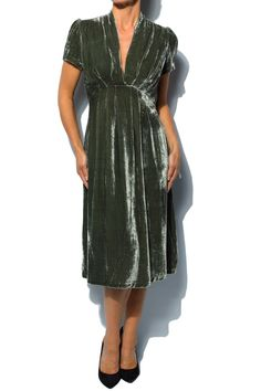 Vintage Sage Green Velvet Dress I want this dress _ already have a pattern !!