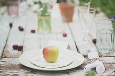 Vintage China: Narrative Hire  //  Styling:  Tebbey & Co. & Aspire CPT  //  Image: Melissa Beattie