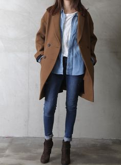 Minimal + Classic: Camel, blue and white.