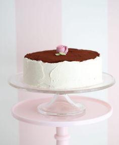 Supersaftig gulrotkake ( glutenfri) - Passion For baking Gluten Free Almond Cake, Almond Cakes, Pudding Desserts, Vanilla Sponge Cake, Vanilla Cake, Jelly Roll Cake, Valentines Baking, Homemade Donuts, Strawberry Cakes