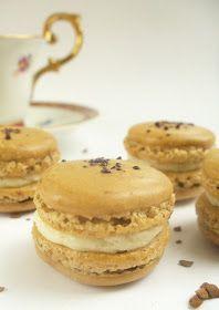 Candy's: C'est macaron! Meringue, Cupcake Cookies, Cupcakes, Fun Desserts, Matcha, Macarons, Donuts, Hamburger, Food Porn