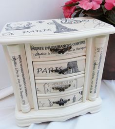 Upcycled Jewelry Box Wood French Graphic Decoupage in Old White Annie Sloan Chalk Paint - Upcycled Jewelry Box Wood French Graphic Decoupage in Old White Annie Sloan Chalk Paint - Decoupage Wood, Decoupage Furniture, Painted Furniture, Diy Furniture, Painted Jewelry Boxes, Painted Boxes, Jewelry Cabinet, Jewelry Armoire, Jewellery Boxes