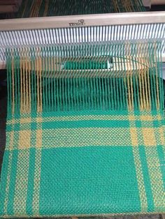 Really pretty colour and simplistically beautiful pattern #weaving #rigidheddle #fibrearts