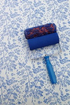 Patterned Paint Roller from NotWallpaper. Patterned Paint Rollers create a beautiful stencil like design on walls, wood, furniture, Bird Patterns, Wall Patterns, Painting Patterns, Deco Design, Bird Design, Patterned Paint Rollers, Paint Rollers With Designs, Do It Yourself Furniture, Spring Birds