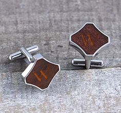 The men in your wedding will love these Redwood Stainless Steel Cuff Links. Each Cuff link features a classic T-back closure and a solid redwood insert.