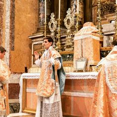 Tuscan Chicken, Altars, Catholic, Roman, Pictures, Man Of God, Primitive, Men, Photos