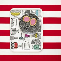 can't tell you how long i've been in love with this Marimekko tray. 3 years to be exact. Marimekko, Color Patterns, Print Patterns, Thumb Prints, White Books, Cute Kitchen, Aarhus, Cozy House, Decor Interior Design