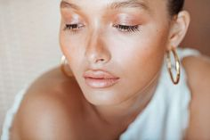 How To Fake Sun Exposure With Bronzer, Blush, And | Into The Gloss