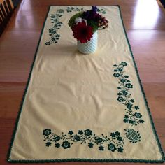 Vintage Yellow Linen Table Runner and 6 Napkins & Kelly Green Embroidery by Finderie on Etsy, $15.00