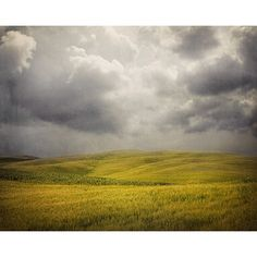 Stormy Weather - Color Photography, Italy, Storm Clouds, Tuscany... (1,405 PHP) ❤ liked on Polyvore featuring backgrounds, landscape, clouds and pictures