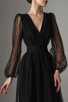 Elegant Dresses, Pretty Dresses, Beautiful Dresses, Formal Evening Dresses, Formal Gowns, Evening Gowns, Classy Dress, Classy Outfits, Black Dress Outfits