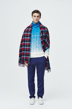 #11 Knit:TOMORROWLAND/¥54,000 Pants:TOMORROWLAND/¥19,440 Muffler:Blech	/¥27,000 Shoes:SPECTUSSHOECO./¥21,060