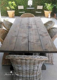 Outdoor Farmhouse Table, Outdoor Wood Table, Diy Dining Table, Patio Tables, Farmhouse Furniture, Dining Room, Outdoor Table Centerpieces, Diy Patio, Diy Garden Table