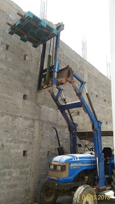 tractor telehandler suitable to lift material to height of 30 feet . Tractor Accessories, Landscaping Equipment, Tractor Loader, Tractor Attachments, Pancho Villa, Cargo Trailers, Small Farm, Welding Projects, Deer Hunting