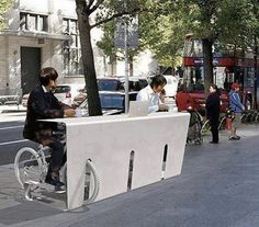 No need to keep an eye on your bike while having a quick coffee...
