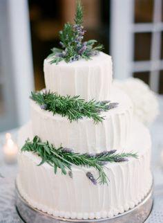 White cake with pine tree decor: http://www.stylemepretty.com/florida-weddings/sarasota/2014/10/08/chic-sarasota-fl-wedding-at-marie-selby-botanical-gardens/   Photography: Justin DeMutiis - http://justindemutiisphotography.com/