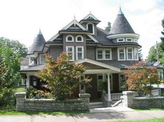 The house Savannah grew up in.