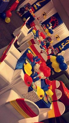 Looking for an exclusive theme for your kids' birthday party? The Paw Patrol could be one of the coolest inspirations that might exceed your expectation. Third Birthday, 4th Birthday Parties, Birthday Party Decorations, Birthday Ideas, Paw Patrol Cake, Paw Patrol Party, Paw Patrol Birthday Theme, Paw Patrol Decorations, Cumple Paw Patrol