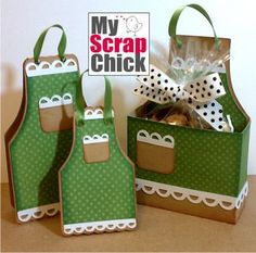 My Scrap Chic - Apron treat box, card and tag svg cut file Paper Purse, Treat Holder, Treat Box, Paper Piecing Patterns, Digi Stamps, Decoration Table, Card Tags, Craft Fairs, Homemade Cards