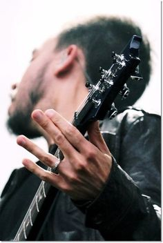 mike shinoda- awesome pic!!!!!!