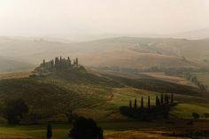 Toscanan maisema on kuin suoraan renessanssitaiteilijan maalauksesta.