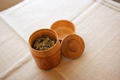 ろくろ挽きの木の茶筒(小) - Pint!