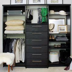 ikea sterreich sortieren w sche sammeln kleidung falten und kleiderschrank in einem raum mit. Black Bedroom Furniture Sets. Home Design Ideas