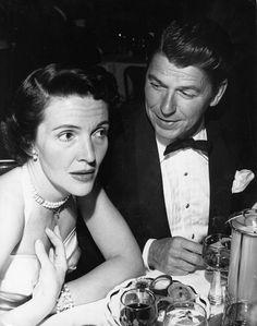 Ronald and Nancy Reagan young(1921-2016)