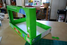Pink and Green Mama: ReCycle Craft: Cardboard Box Puppet Theatre