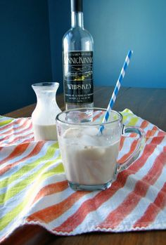 Homemade Peppermint Baileys Irish Creme | The Frosted Vegan